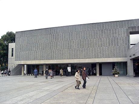 国立西洋美術館には中学生の姿